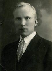 Tėvas Kazys Mikeliūnas. 1938 m. Iš Stasės Mikeliūnienės asmeninio archyvo