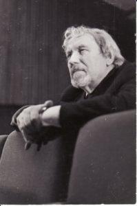 Juozas Miltinis repeticijoje. 1975 m. Fotogr. Kazimiero Vitkaus. PAVB FJM-1015/16