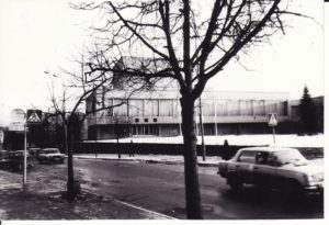 Panevėžio dramos teatras 1992 m. Fotogr. Kazimiero Vitkaus. PAVB FKV-349/48