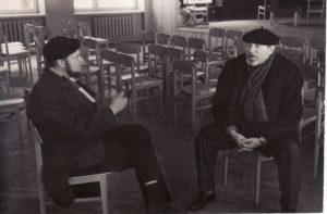 Į pirmąją repeticiją iš Kauno atvyko ir teatro architektas Algimantas Mikėnas. 1967 12 6. Fotogr. Kazimiero Vitkaus. PAVB FKV-347/34