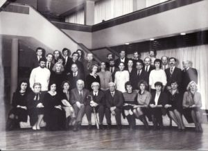 Režisierius Juozas Miltinis su Panevėžio dramos teatro aktoriais, 1991 m. PAVB FJM-915/1