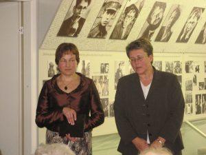 Centro vedėja Angelė Mikelinskaitė ir Panevėžio apskrities viršininkė Gema Umbrasienė, 2007 m.