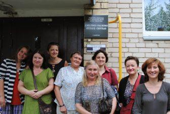 Vilniaus J. Vienožinskio dailės mokyklos (suaugusiųjų skyriaus) studentai - plenero dalyviai Miltinio centre. 2014 m.