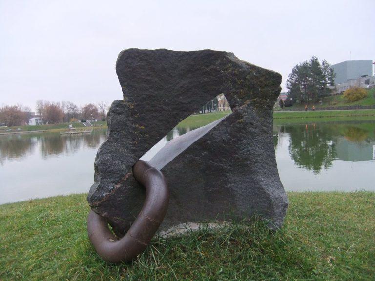 """Skulptūra """"Auskaras"""". Astos Rimkūnienės nuotrauka"""