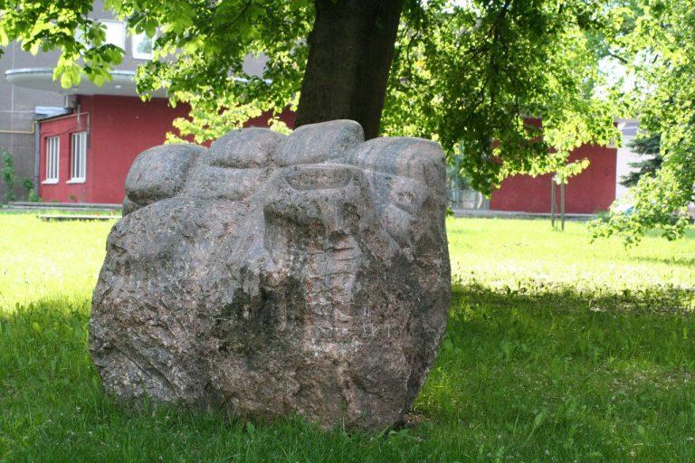 """Skulptūra """"Laisvės ranka"""". Aivaro Neimonto nuotrauka"""