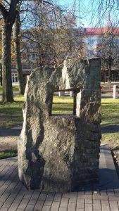 """Skulptūra """"Langas"""". Ilonos Biržytės nuotrauka"""