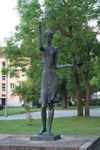 """Skulptūra """"Pramonė"""" (""""Mergaitė""""). Aivaro Neimonto nuotrauka"""