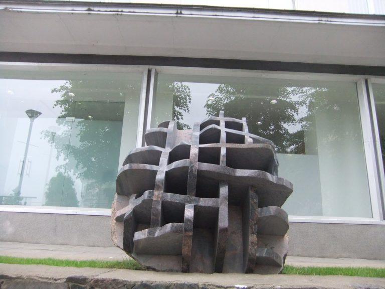 """Skulptūra """"Rekonstrukcija"""". Astos Rimkūnienės nuotrauka"""