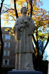 Paminklas Šv. Aloyzui. Virginijaus Benašo nuotrauka