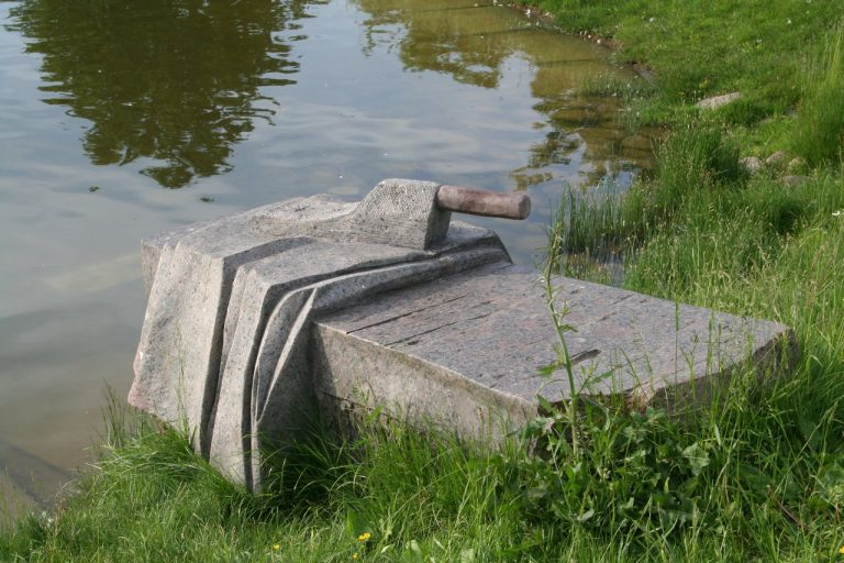 """Skulptūra """"Vieno skalbimo istorija"""". Aivaro Neimonto nuotrauka"""