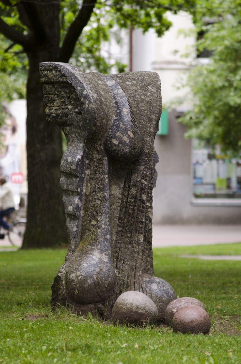 """Skulptūra """"Virsmas"""". Astos Rimkūnienės nuotrauka"""