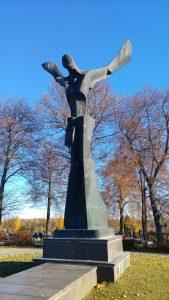 """Skulptūra """"Sparnuota figūra"""". Aivaro Neimonto nuotrauka"""