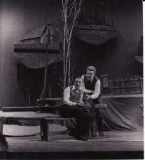 "Vincas Krėvė ""Žentas"" (rež. J. Dautartas), 1983 m. Aurimas Babkauskas - Merūnas, Rudolfas Jansonas - Ringelė. Fotogr. K. Vitkaus. PAVB FKV-236/2-2"