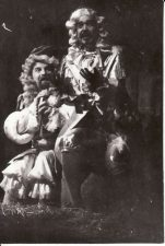 "Moljeras (Molière) ""Miestelėnas – bajoras""(rež. R. Teresas), 1992 m. Alfredas Dukšta - Ponas Žurdenas, Rudolfas Jansonas - Dorantas, grafas, įsimylėjęs Dorimeną. Fotogr. K. Vitkaus. PAVB FKV-278/8-3"