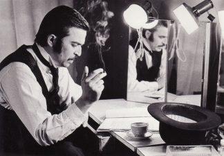 Aktorius Rudolfas Jansonas – Brakas (Heda Gabler) prie pjesės teksto grimo kambaryje