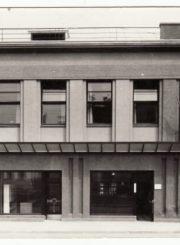 2. Panevėžio ūkininkų smulkaus kredito banko pastatas. XX a. 4 deš. Nuotrauka iš Panevėžio kraštotyros muziejaus rinkinių