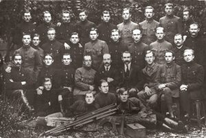 2. Panevėžio miškų technikos mokyklos dėstytojai ir moksleiviai. XX a. 3 deš. Nuotrauka iš M. Dirsės archyvo