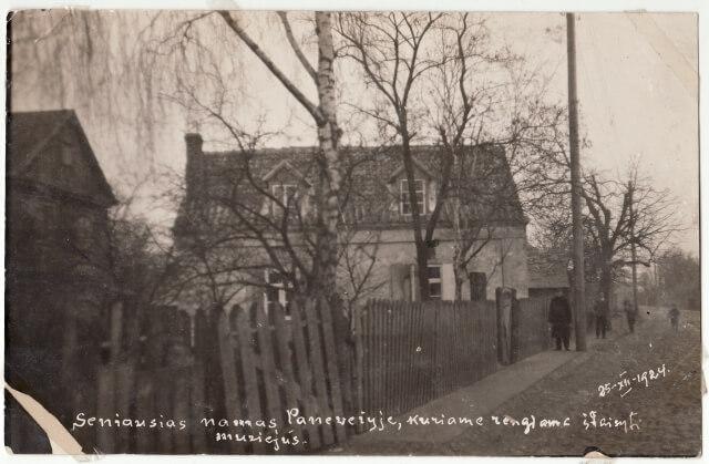 1. Būsimo muziejaus pastatas Kranto gatvėje. 1924 m. Nuotrauka iš Panevėžio kraštotyros muziejaus rinkinių