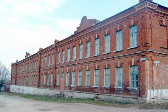 Buvusi Venevo dvasinė mokykla, į kurią Pirmojo pasaulinio karo pabaigoje perkelta į Rusiją evakuota Panevėžio realinė mokykla. Nuotrauka iš www.veneva.ru