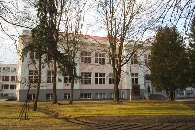 1. Panevėžio Vytauto Žemkalnio gimnazija. L. Kaziukonio nuotrauka