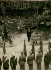 2. Renginys prie Vilniaus medžio. 1930 m. rugsėjo 8 d. Nuotrauka iš V. Vyšniausko archyvo