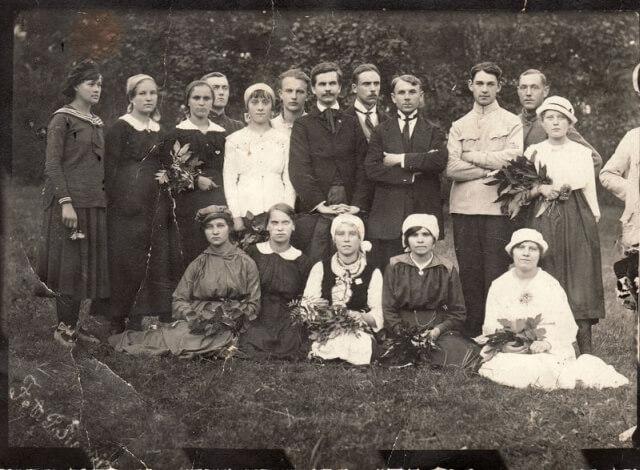 1. M. Karkos vadovaujamas choras. 1919 m. Nuotrauka iš Panevėžio kraštotyros muziejaus fondų
