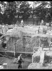 2. Panevėžio lenkų gimnazijos statybos vaizdai. Nuotrauka iš Panevėžio kraštotyros muziejaus rinkinių
