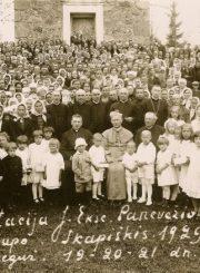 3. Vyskupo Kazimiero Paltaroko vizitacija Skapiškyje. 1929 m. Nuotrauka iš Panevėžio vyskupijos archyvo