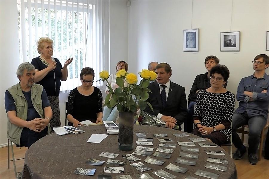 Jono Aleknos dailės darbų parodos atidarymas Juozo Miltinio palikimo studijų centre