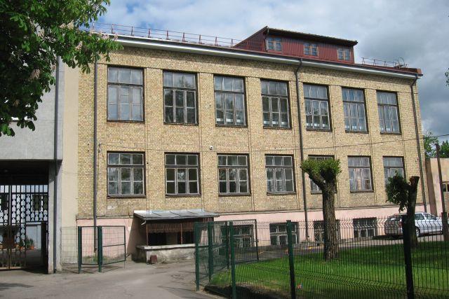 1. Išlikęs Lietuvaičių švietimo draugijos mergaičių amatų ruošos mokyklos Panevėžyje pastatas
