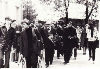 Gastrolės Kijeve (Київ). Juozas Miltinis – viduryje. 1980 m. Fotogr. Kazimiero Vitkaus. PAVB FKV-379/1