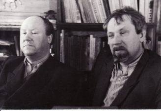 Režisierius Juozas Miltinis (dešinėje) su dailininku Telesforu Kulakausku. 1955 m. Fotogr. Kazimiero Vitkaus. PAVB FJM-1013/34