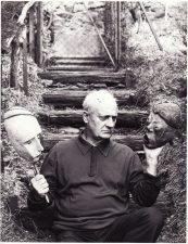 Paryžiaus laikų bendramokslis Žanas Dastė (Jean Dasté), šią nuotrauką Juozui Miltiniui užrašęs prisiminimui. Fotogr. Rajako Ohaniano. PAVB FJM-1021/5