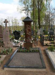 Birželio sukilimo dalyvių, žuvusių Krekenavoje, A. Kulikausko ir A. Kiaunės kapai Krekenavos kapinėse. E. Markuckytės nuotrauka