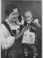 2. Birutietė Bronė Česonienė su dukra Lina. 1937 m. Nuotrauka iš privačios kolekcijos