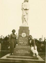 Paminklas kunigui J. Tilvyčiui Panevėžyje. Nuotrauka iš privačios kolekcijos