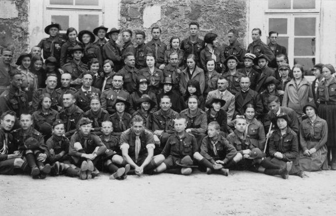 1. Vilniaus skautai Panevėžyje 1928 m. Nuotrauka iš privačios kolekcijos