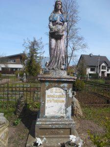 Šv. Zitos draugijos narių antkapinis paminklas. Astos Rimkūnienės nuotrauka