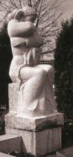 """""""Liūdinti mūza Melpomenė"""", aktoriaus Broniaus Babkausko antkapinis paminklas. Edvardo Koriznos nuotrauka"""