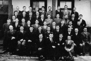 2.Statybos kursai Panevėžyje. Antroje eilėje penktas iš kairės inž. K. Germanas. 1934 m. Nuotrauka iš privačios kolekcijos