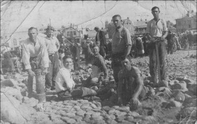 Pergrindžiama Panevėžio Savanorių aikštė. XX a. 4 deš. Nuotrauka iš privačios kolekcijos