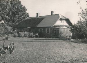 Stasio Šneiderio tėviškė – Varšaukos vienkiemis (Panevėžio r.). Apie 1961 m. Nuotrauka iš Jūratės Šneiderytės-Degutienės asmeninio archyvo