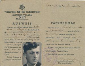 Karsakiškio pradžios mokyklos mokytojo Stasio Šneiderio pažymėjimas. Panevėžys. 1943 m. PAVB F51-6