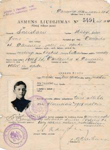 Panevėžio valsčiaus 1939 m. į šaukiamųjų sąrašus įrašyto Stasio Šneiderio asmens pažymėjimas. Panevėžys. 1936.02.28. Iš Jūratės Šneiderytės-Degutienės asmeninio archyvo