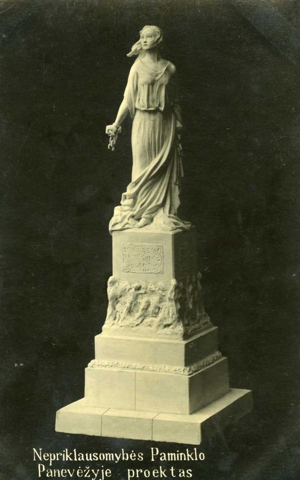 1. Skulptoriaus Juozo Zikaro Nepriklausomybės paminklo Panevėžyje maketas. Nuotrauka iš privačios kolekcijos