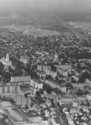 3. Gyvenamųjų namų statybos vakarinėje miesto dalyje. 1985 m. Nuotrauka iš www.miestai.net