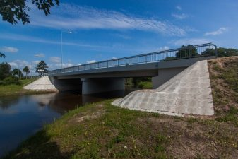 4. Rekonstruotos trys gatvės, sankryža ir tiltas per Kriauną
