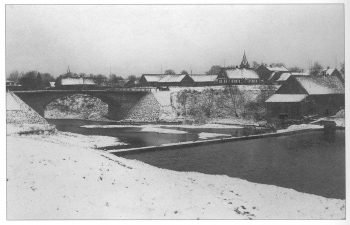 7. Nemunėlio Radviliškis žiemą, kairėje – Parupės tiltas. 1935 m.