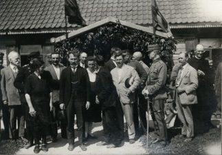 18. LR prezidentas Antanas Smetona lankosi pas pavyzdingą ūkininką Paliūną. Pasvalio vlsč., 1927 m. Fotogr. P. Ločeris