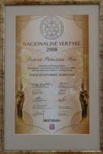 """Dienraščio """"Respublika"""" nominacijos """"Žmogus – istorinė asmenybė"""", kuri paskirta G. Petkevičaitei-Bitei, diplomas. V. Benašo nuotrauka"""